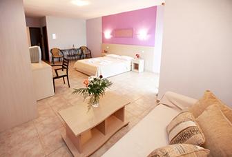 3-4  beds Studio